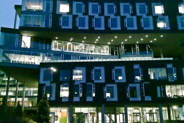 Carnegie Mellon University (Gates-Hillman Complex) at night - Green chemistry