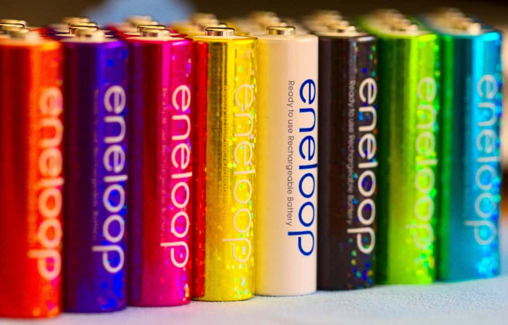 Row of Eneloop batteries in different colors - Rechargeable batteries