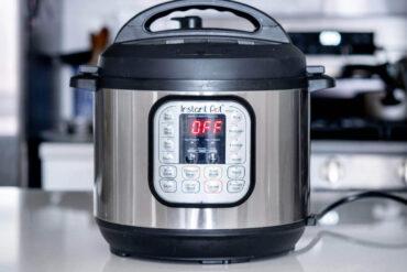 instant pot - instant pot vs pressure cooker
