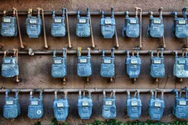 gas meters - 10 surefire ways to trim your energy use